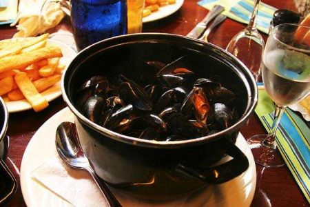 Moules frites, typical dish of Belgium